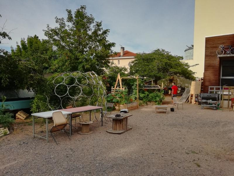 Bacs de culture au Guidon entretenus par Terra Preta.