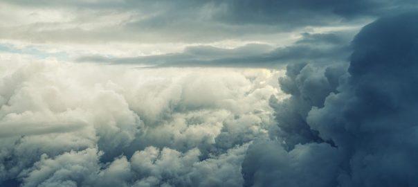 Biowoman des nuages