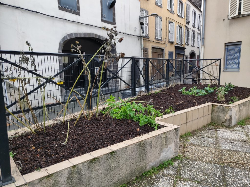 Vue d'une parcelle de Jardinial une fois amendée en compost